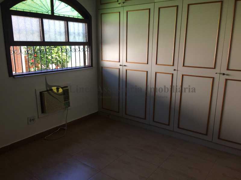 09 QUARTO 1 - Casa Vila Valqueire, Rio de Janeiro, RJ À Venda, 2 Quartos, 178m² - TACA20044 - 10