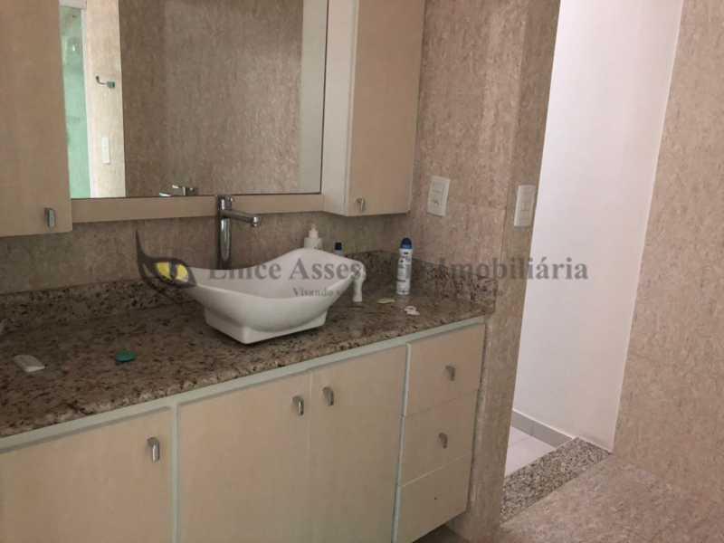 LAVABO - Casa Bangu,Rio de Janeiro,RJ À Venda,3 Quartos,180m² - TACA30076 - 20