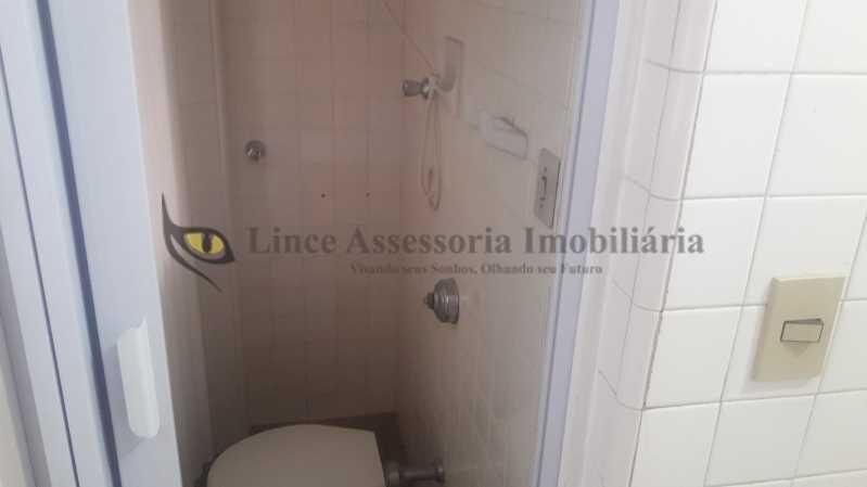 banheiro de serviço - Apartamento À Venda - Tijuca - Rio de Janeiro - RJ - TAAP30916 - 18
