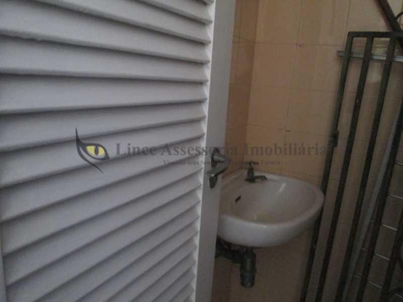 banheiro de empregada1 - Apartamento À VENDA, Tijuca, Rio de Janeiro, RJ - TAAP30917 - 21