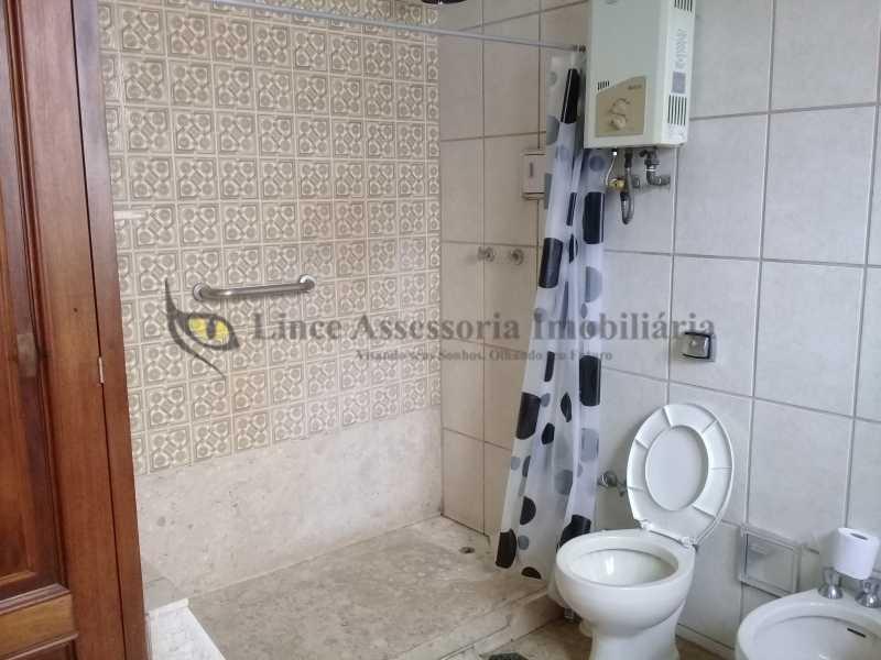 18 BANHEIROSUITE1.0 - Casa Tijuca, Norte,Rio de Janeiro, RJ À Venda, 6 Quartos, 249m² - TACA60013 - 16