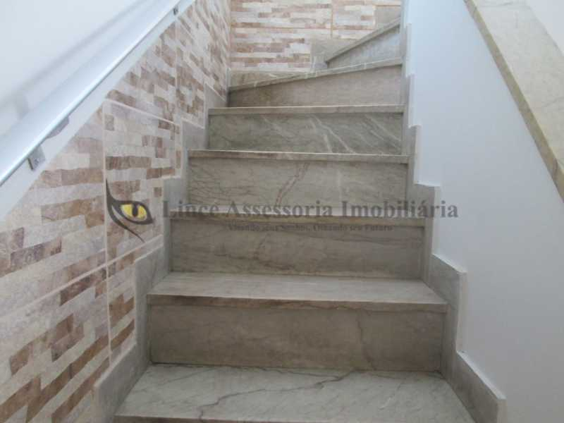 14-escada de acesso ao 2º pis - Casa de Vila À Venda - Tijuca - Rio de Janeiro - RJ - TACV30057 - 15