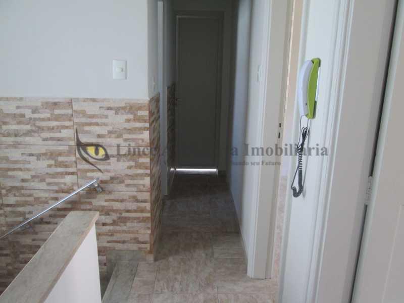 17-circulação 2º piso - Casa de Vila À Venda - Tijuca - Rio de Janeiro - RJ - TACV30057 - 18