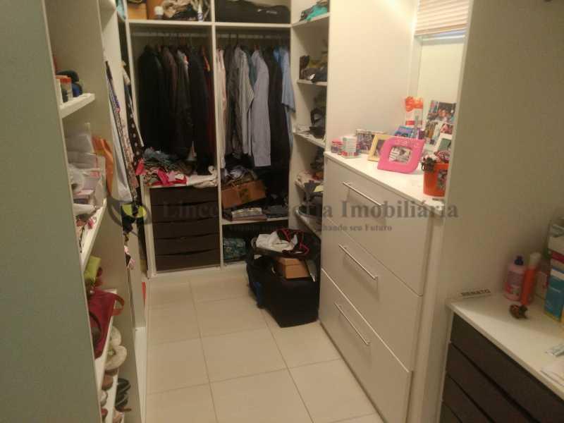 25 closet - Casa Tijuca, Norte,Rio de Janeiro, RJ À Venda, 3 Quartos, 240m² - TACA30096 - 26