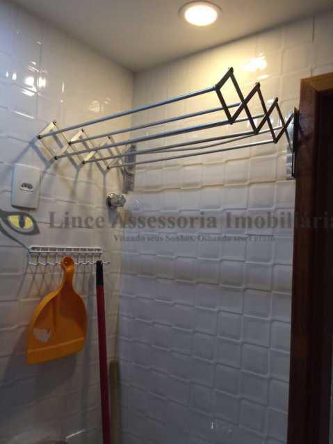 9 banheiro social foto3 - Kitnet/Conjugado 17m² à venda Copacabana, Sul,Rio de Janeiro - R$ 300.000 - TAKI00073 - 10