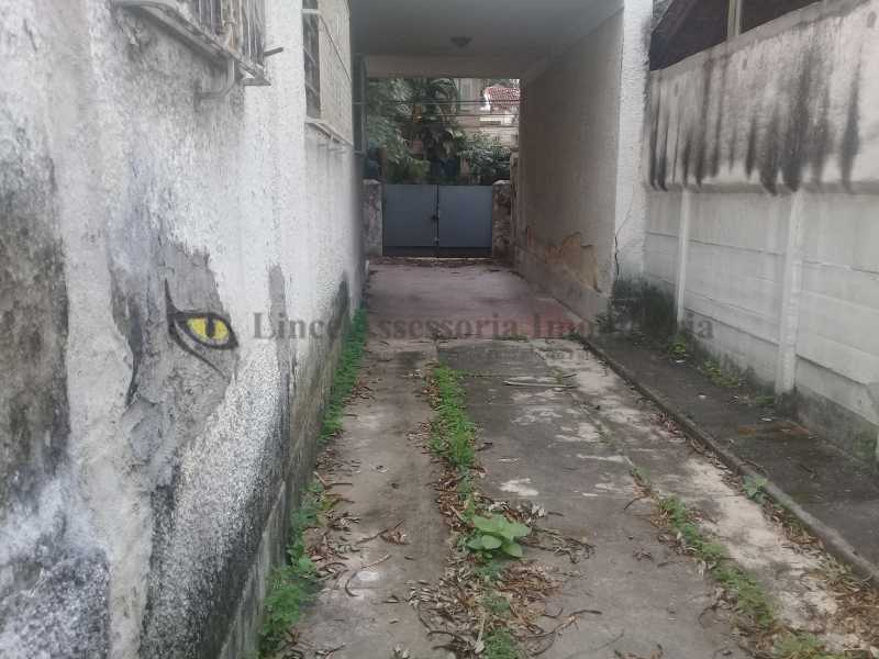 21 ENTRADADEGARAGEM1.0 - Casa Tijuca, Norte,Rio de Janeiro, RJ À Venda, 4 Quartos, 266m² - TACA40066 - 22