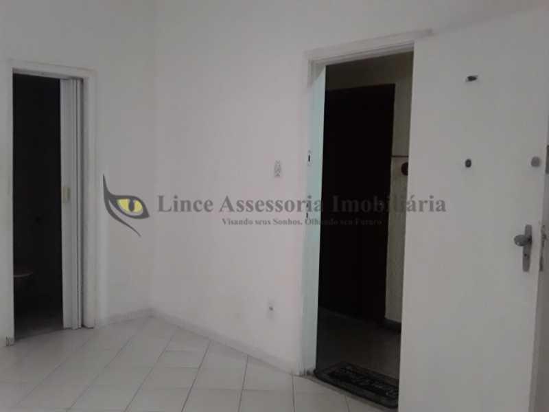 sala e quato conjugados foto 3 - Kitnet/Conjugado 18m² à venda Tijuca, Norte,Rio de Janeiro - R$ 145.000 - TAKI00093 - 17