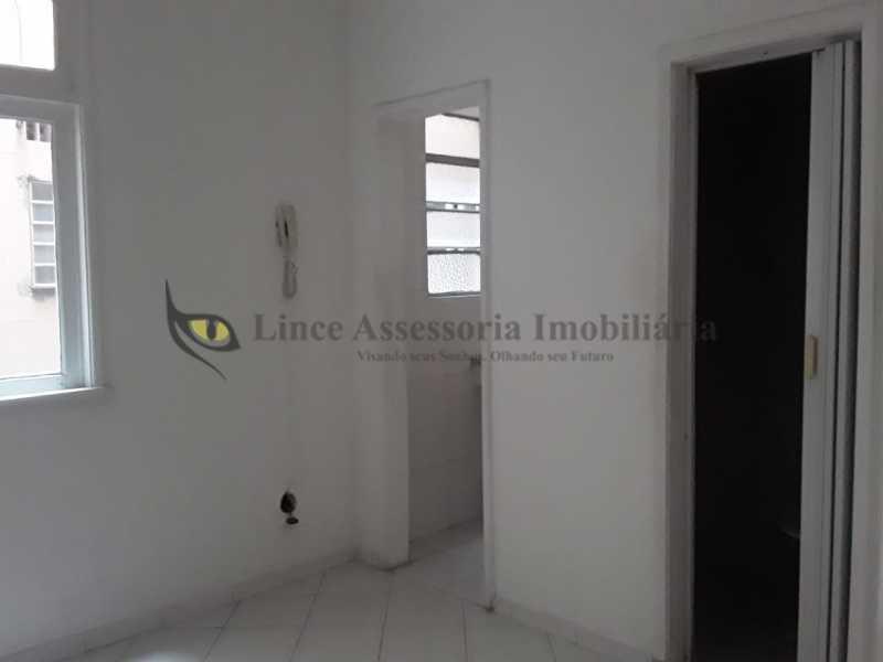 sala e quarto conjugados foto5 - Kitnet/Conjugado 18m² à venda Tijuca, Norte,Rio de Janeiro - R$ 145.000 - TAKI00093 - 20