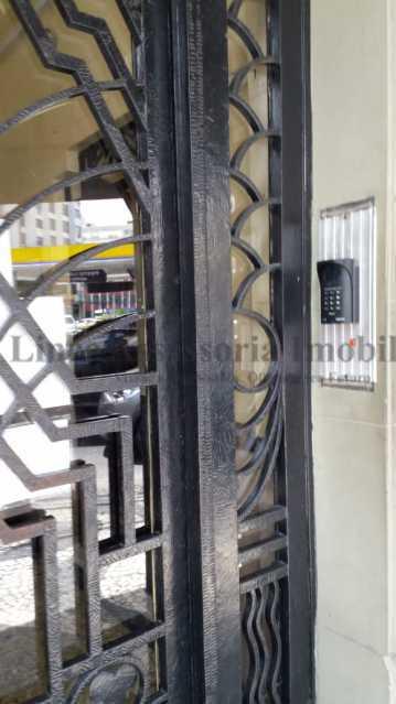 entrada do prédio - Kitnet/Conjugado 20m² à venda Rio Comprido, Norte,Rio de Janeiro - R$ 125.000 - TAKI00097 - 13