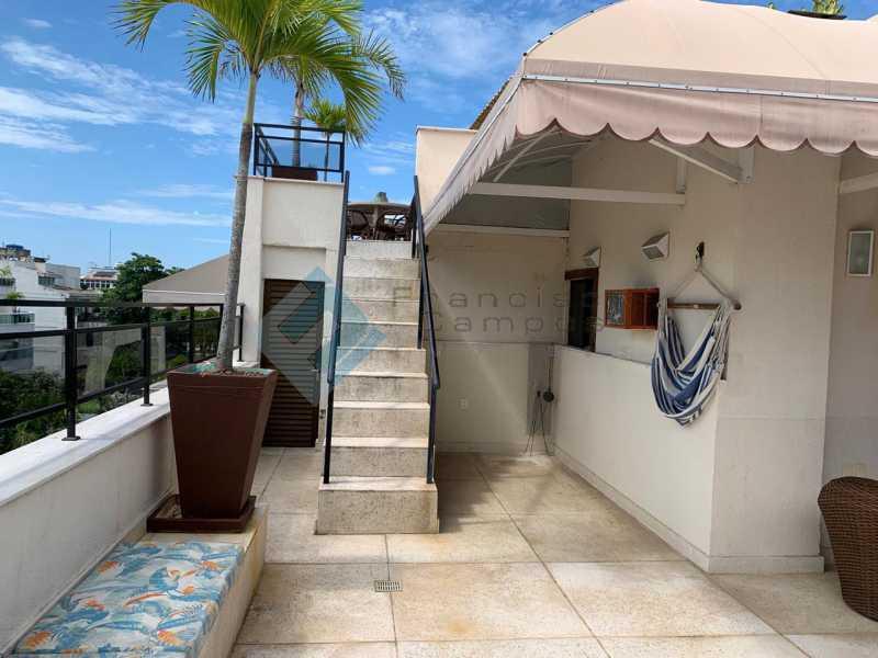 a040670c-5fde-4de9-aa94-124500 - Comprar cobertura jardim oceânico junto praia Barra da Tijuca - MECO50002 - 17