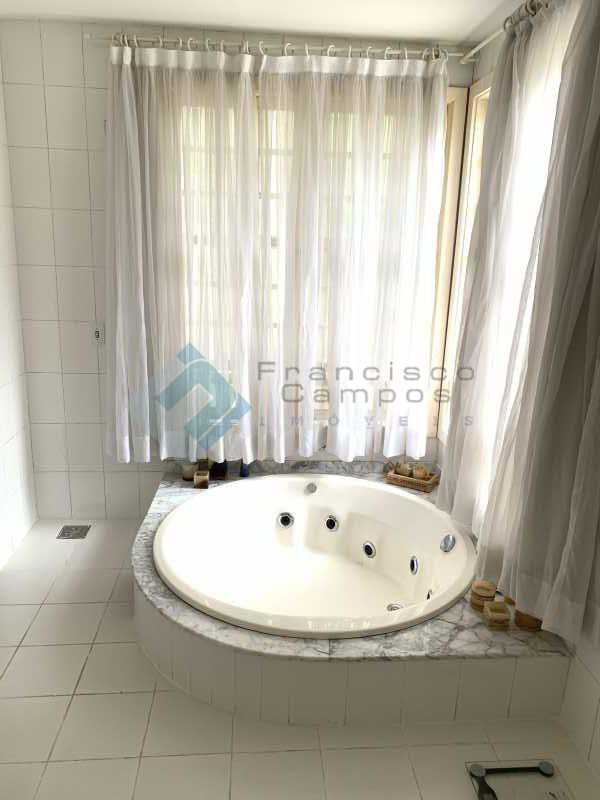 IMG-0045 - Casa linear 5 suítes condomínio Itanhagá - MECN50003 - 20
