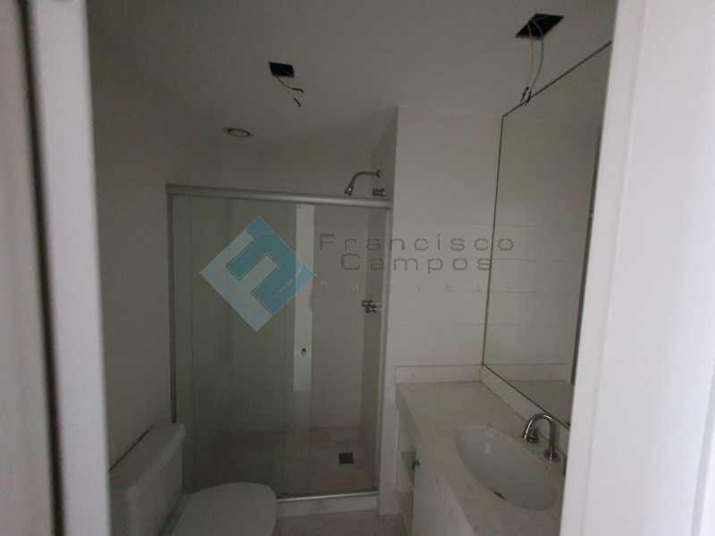 20210315_164205 - Apartamento À venda no condomínio Saint Barth Península, 4 suítes. - MEAP40037 - 9