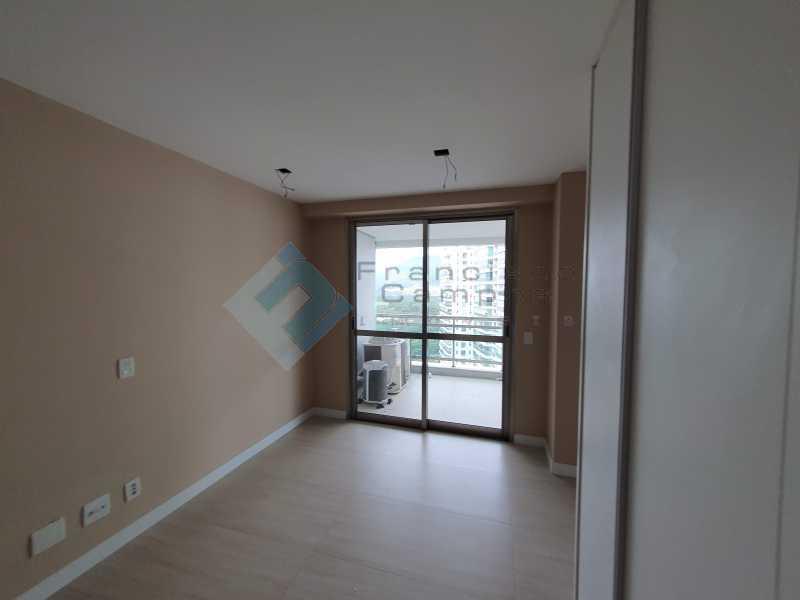 20210315_164217 - Apartamento À venda no condomínio Saint Barth Península, 4 suítes. - MEAP40037 - 11
