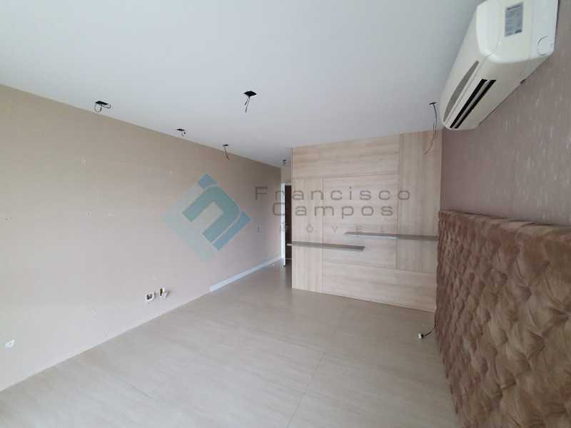 20210315_164317 - Apartamento À venda no condomínio Saint Barth Península, 4 suítes. - MEAP40037 - 12