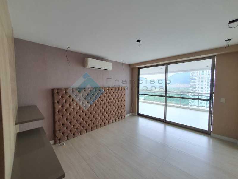 20210315_164308 - Apartamento À venda no condomínio Saint Barth Península, 4 suítes. - MEAP40037 - 13