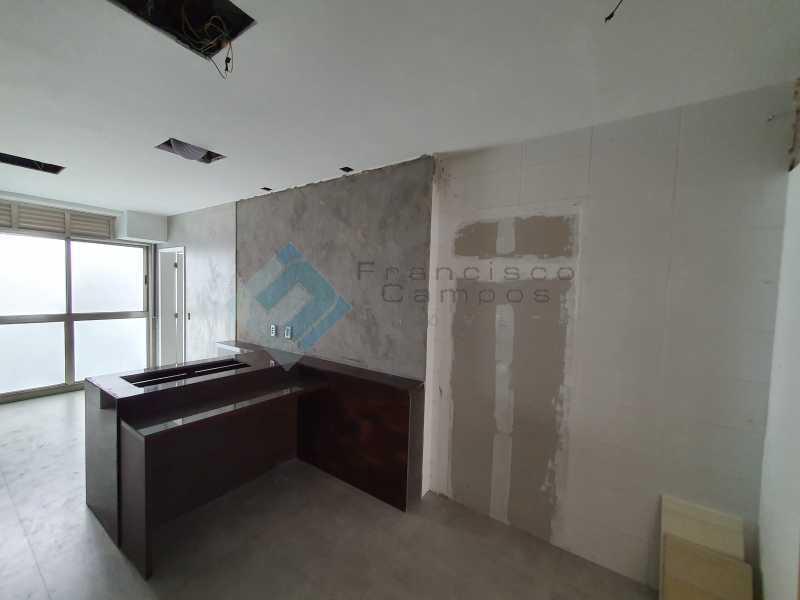 20210315_164440 - Apartamento À venda no condomínio Saint Barth Península, 4 suítes. - MEAP40037 - 17