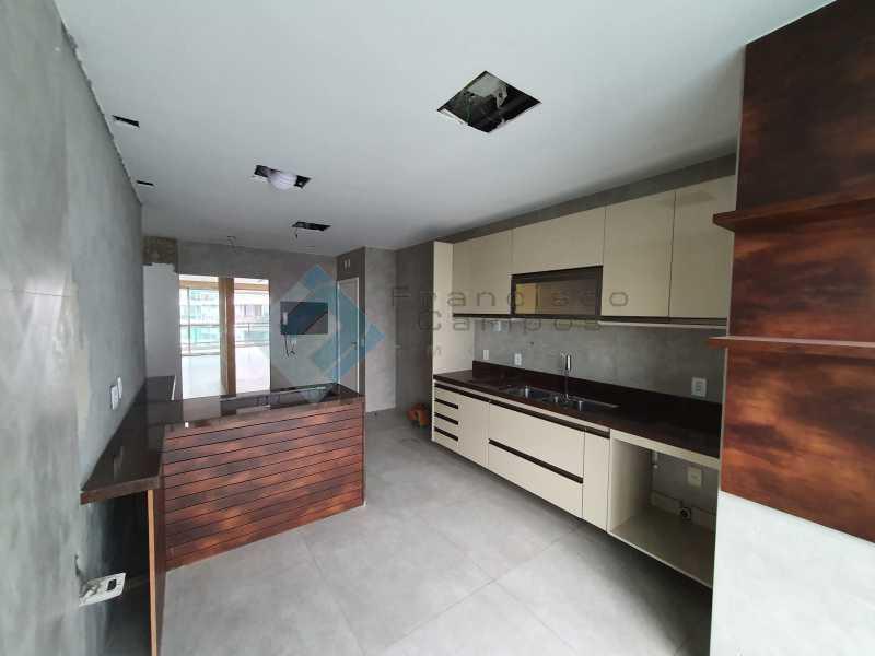 20210315_164450 - Apartamento À venda no condomínio Saint Barth Península, 4 suítes. - MEAP40037 - 18