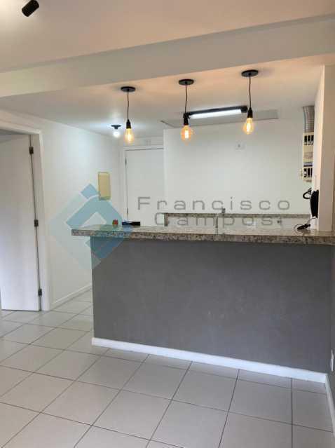 PHOTO-2021-04-22-17-53-21 - Barra da Tijuca, Vila do Pam, sala e quarto - MEAP10024 - 3