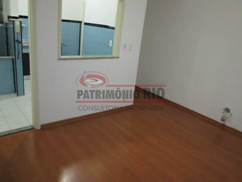 03 - Sala, quarto na Vila da Penha, colado Shopping Carioca - PAAP10468 - 4
