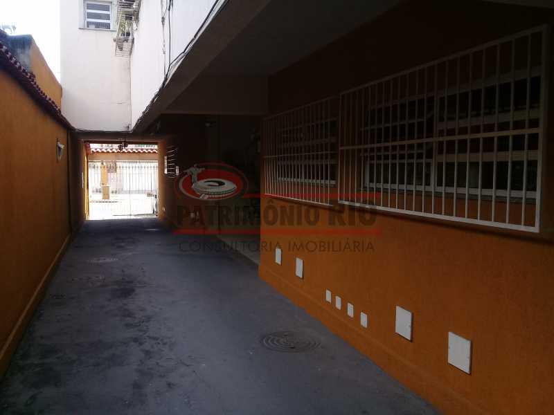 30 - Boa casa triplex em Condomínio fechado com 3qtos, piscina, churrasqueira e duas vagas próximo Largo do Bicão - PACN30043 - 31