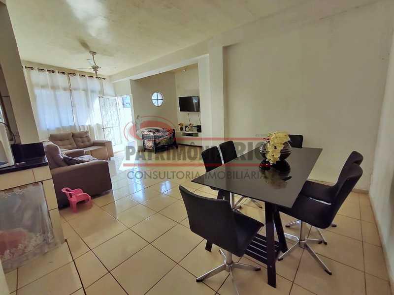 2 2 - Excelente Casa linear 03 Quartos,02 vagas,Quintal - Próximo a Avenida Brás de Pina. - PACA30454 - 3
