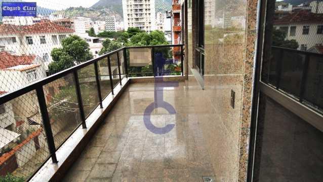 02 - 3 Quartos Varandão Saens Penna - EC3869 - 1