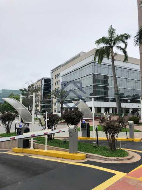 21 - Sala Comercial na Avenida Abelardo Bueno - MESL20628 - 22