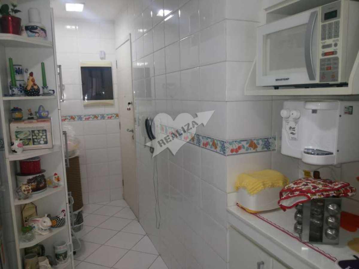 07 - Cozinha - Apartamento À Venda no Condomínio JARDIM OCEÂNICO - Barra da Tijuca - Rio de Janeiro - RJ - BTAP30059 - 18