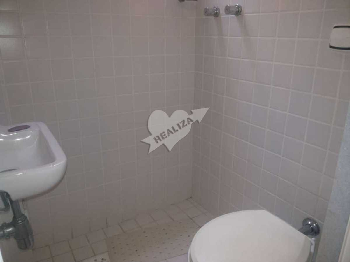 10 - Banheiro de serviço - Apartamento À Venda no Condomínio JARDIM OCEÂNICO - Barra da Tijuca - Rio de Janeiro - RJ - BTAP30059 - 21