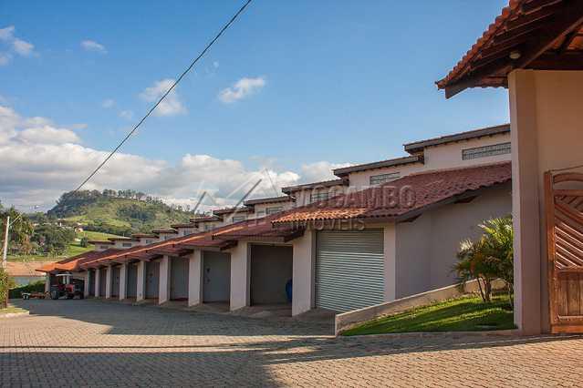 Garagem - Fachada - Porto Jaguary - 43 - 10