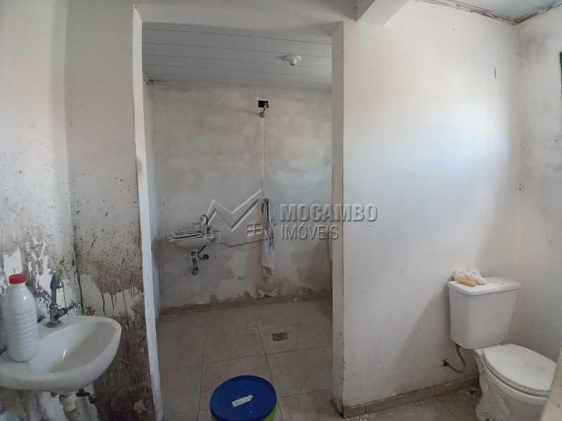 Banheiro Social 01 - Galpão 238m² para alugar Itatiba,SP - R$ 2.500 - FCGA00189 - 9