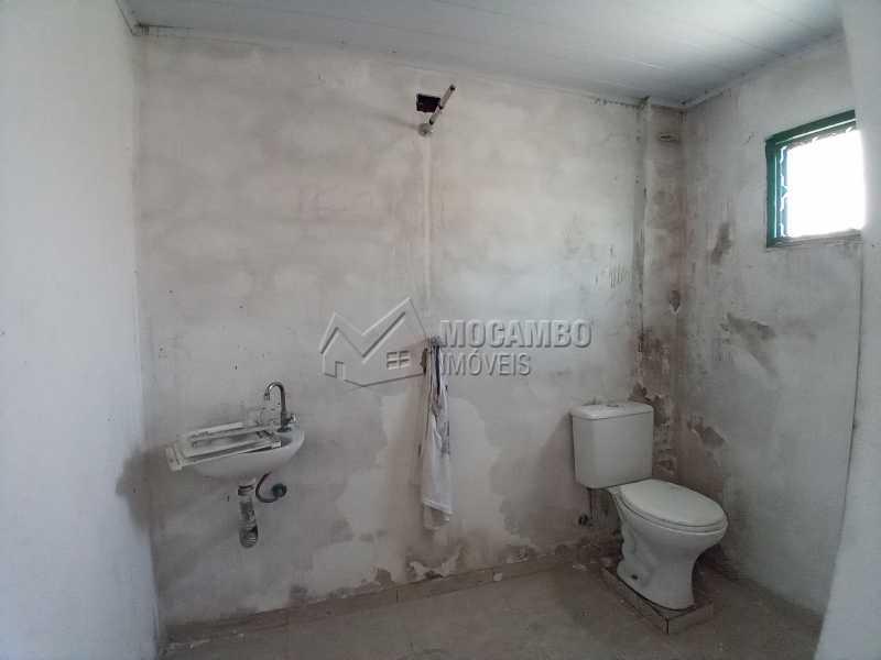 Banheiro Social 02 - Galpão 238m² para alugar Itatiba,SP - R$ 2.500 - FCGA00189 - 10