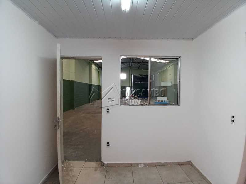 Sala 02 - Galpão 238m² para alugar Itatiba,SP - R$ 2.500 - FCGA00189 - 6