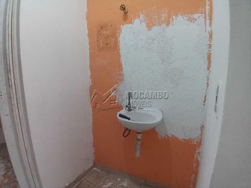 Banheiro Social 03 - Galpão 238m² para alugar Itatiba,SP - R$ 2.500 - FCGA00189 - 12