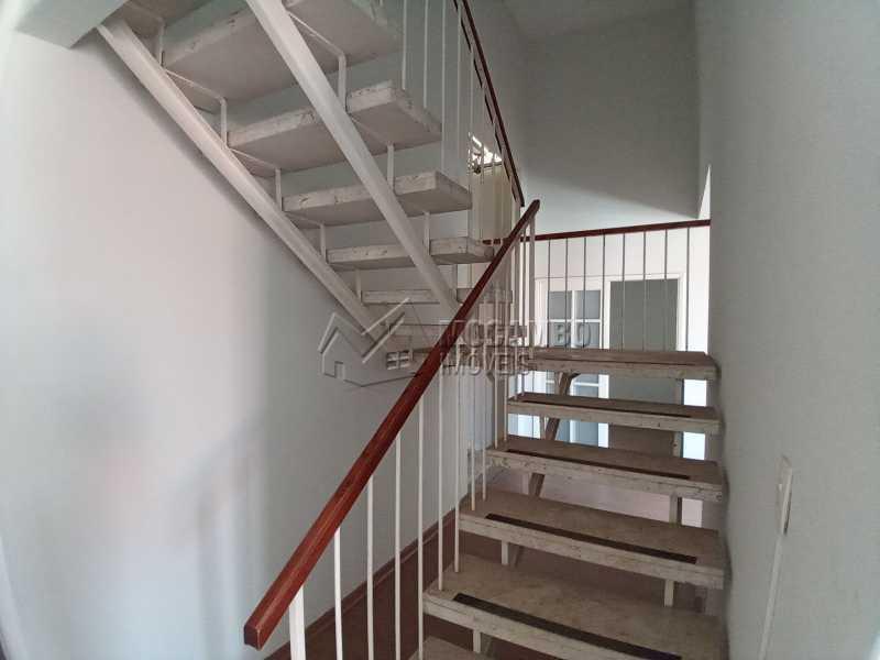 Escada de Acesso ao Piso Sup. - Casa 2 quartos para alugar Itatiba,SP Centro - R$ 4.000 - FCCA21470 - 11