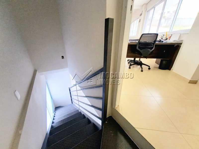 Passagem para sala inferior. - Sala Comercial 110m² para alugar Itatiba,SP - R$ 3.000 - FCSL00234 - 9
