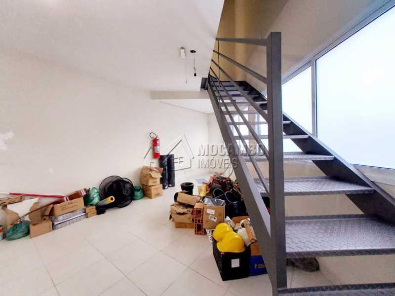 Passagem para sala superior. - Sala Comercial 110m² para alugar Itatiba,SP - R$ 3.000 - FCSL00234 - 10