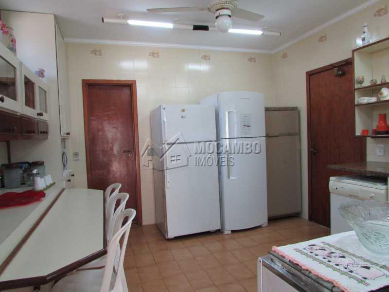 Cozinha - Casa À Venda no Condomínio Ville Chamonix - Jardim Nossa Senhora das Graças - Itatiba - SP - FCCN40033 - 24