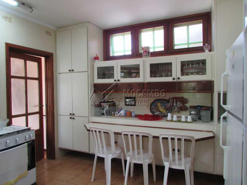 Cozinha - Casa À Venda no Condomínio Ville Chamonix - Jardim Nossa Senhora das Graças - Itatiba - SP - FCCN40033 - 25