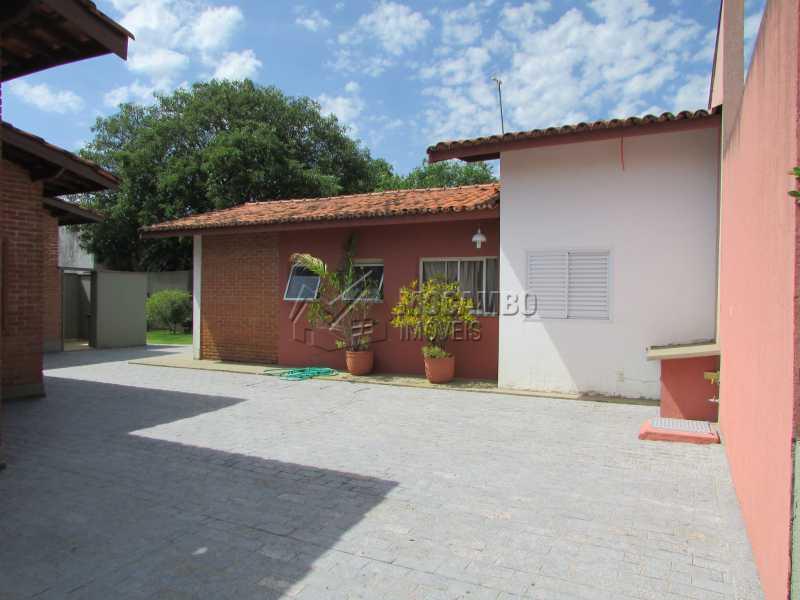 Quintal - Casa À Venda no Condomínio Ville Chamonix - Jardim Nossa Senhora das Graças - Itatiba - SP - FCCN40033 - 28