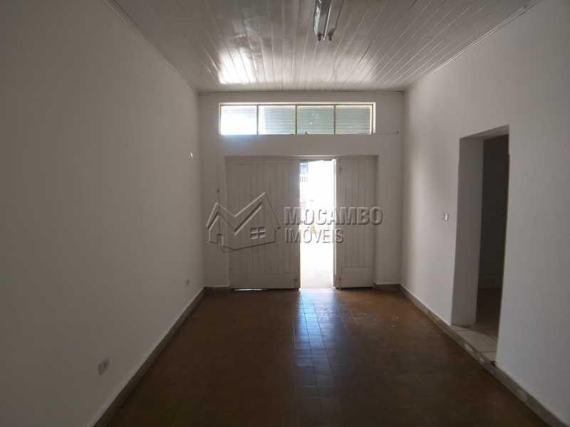 Garagem Coberta - Casa 2 quartos para alugar Itatiba,SP Centro - R$ 1.500 - FCCA20280 - 16