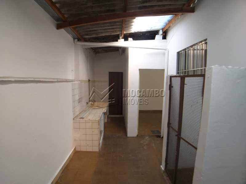 Área de Serviço - Casa 2 quartos para alugar Itatiba,SP Centro - R$ 1.500 - FCCA20280 - 18