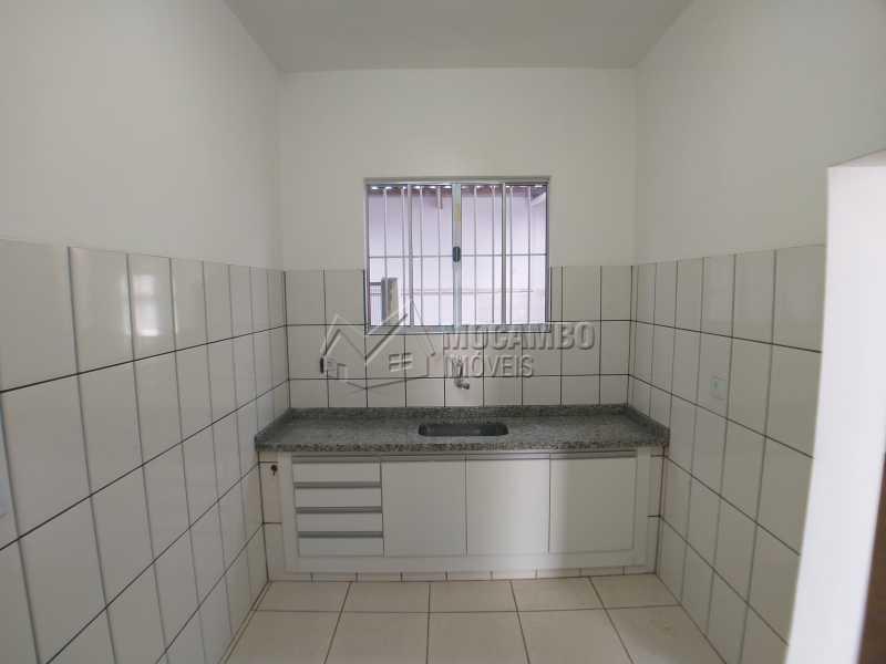 Cozinha área molhada - Casa 2 quartos para alugar Itatiba,SP Centro - R$ 1.500 - FCCA20280 - 3