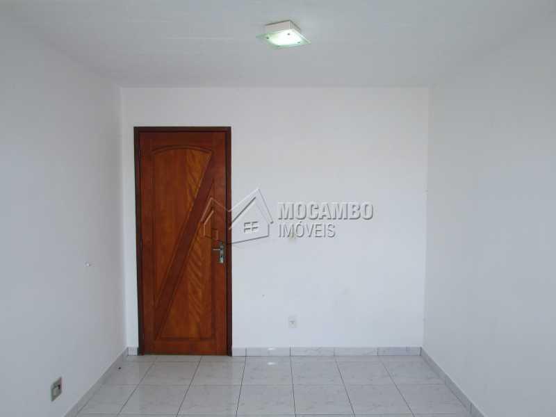 Sala - Apartamento Para Alugar - Itatiba - SP - Residencial Beija Flor - FCAP20141 - 3