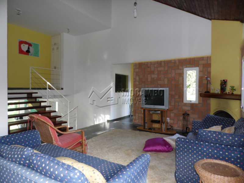 sala de lareira - Casa em Condominio PARA ALUGAR, Condomínio Capela do Barreiro, Condomínio Capela do Barreiro, Itatiba, SP - FCCN50006 - 7