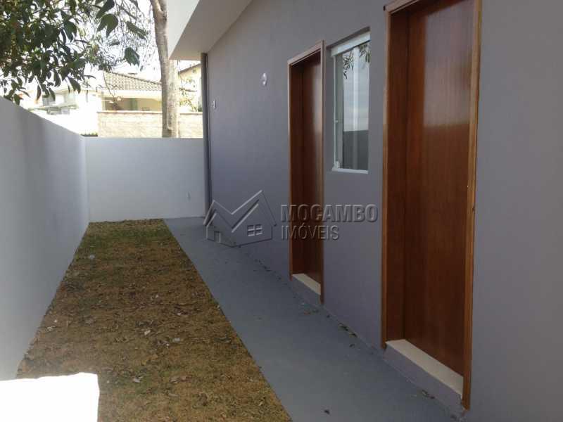 Quintal Fundos - Casa em Condominio À Venda - Itatiba - SP - Residencial Fazenda Serrinha - FCCN30169 - 15