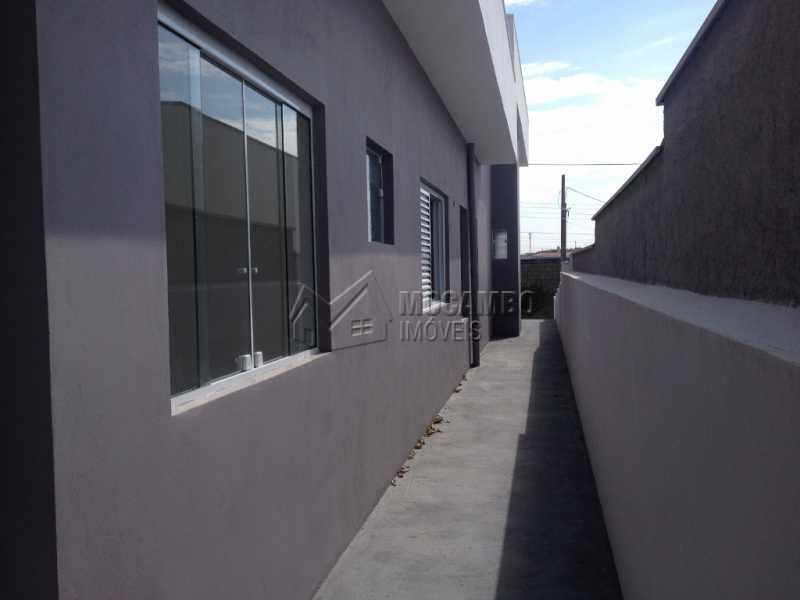 Corredor Lateral - Casa em Condominio À Venda - Itatiba - SP - Residencial Fazenda Serrinha - FCCN30169 - 13