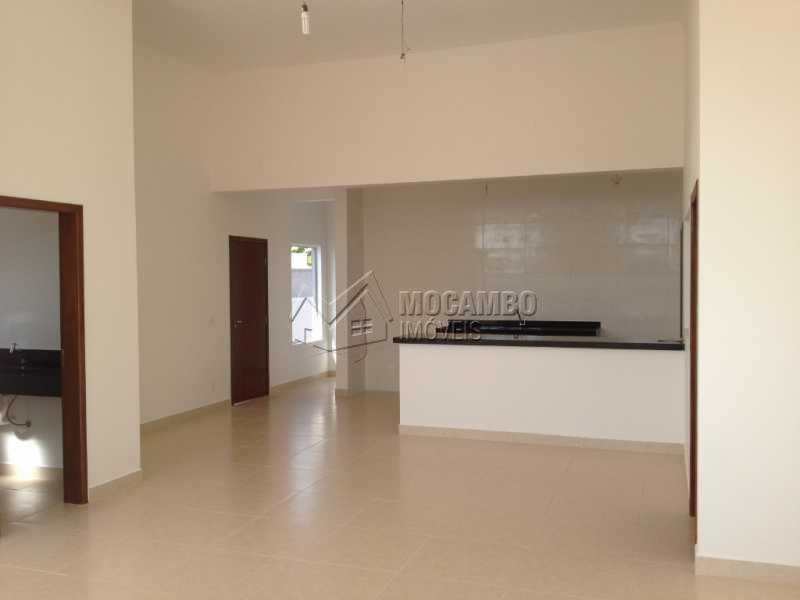 Living 03 Ambientes - Casa em Condominio À Venda - Itatiba - SP - Residencial Fazenda Serrinha - FCCN30169 - 1