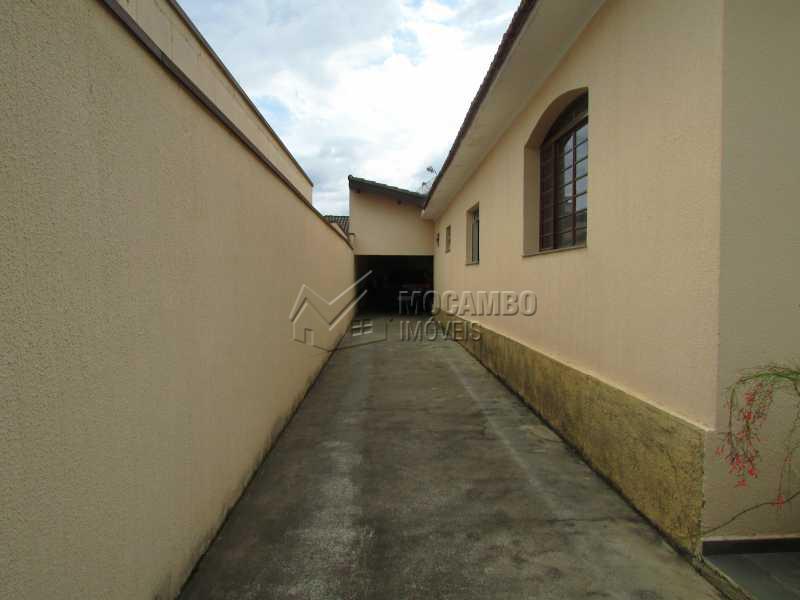 Garagem lateral - Casa 5 quartos à venda Itatiba,SP - R$ 650.000 - FCCA50016 - 20