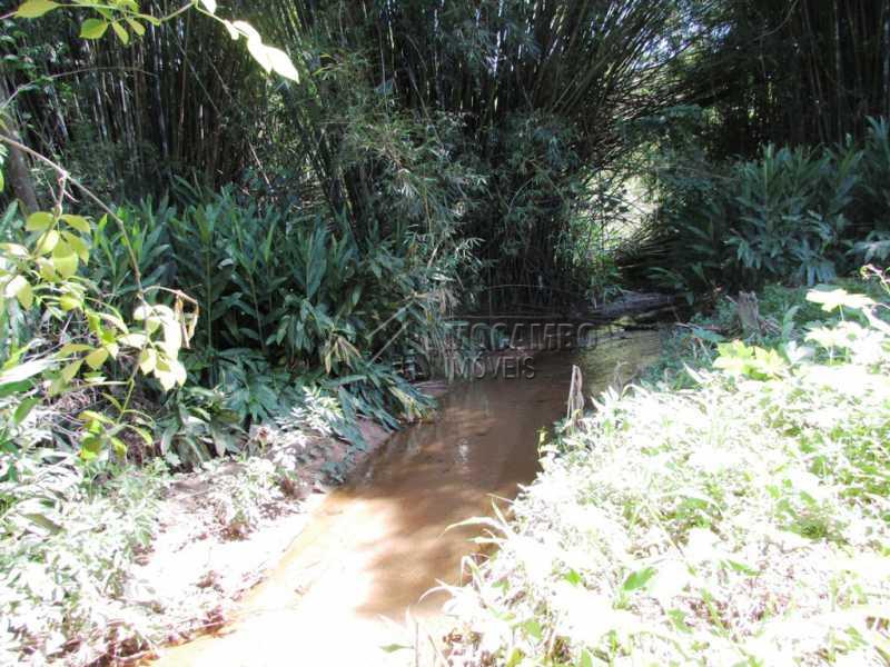 Córrego - Chácara 1580m² à venda Itatiba,SP - R$ 200.000 - FCCH10007 - 7
